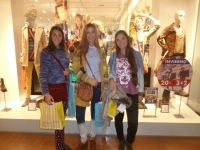parisien-desfile-inaguracion-del-local-en-montevideo-shopping